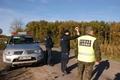 Policjanci z Pucka wspólnie ze Strażą Leśną patrolują lasy i drogi